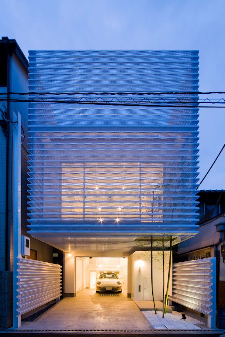 Home to live with Porsche : Kenji Yanagawa Architect and Associatesが手掛けた家です。