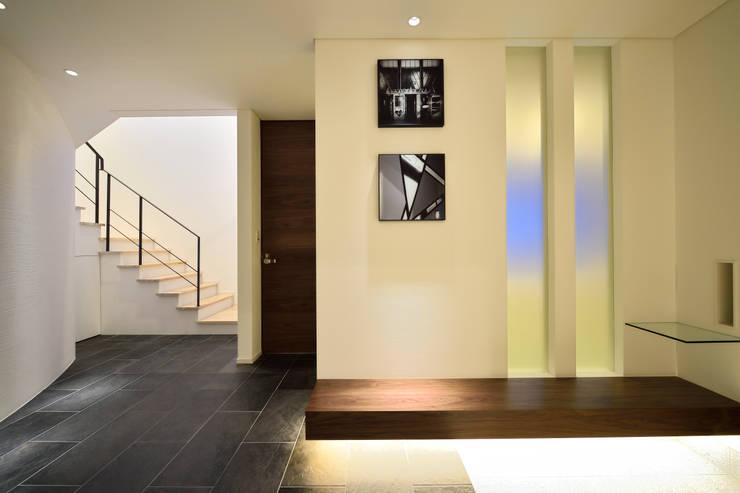 T 邸: 株式会社スター・ウェッジが手掛けた壁です。