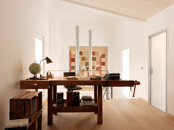 Villa Our Time: Studio in stile in stile Moderno di DomusGaia