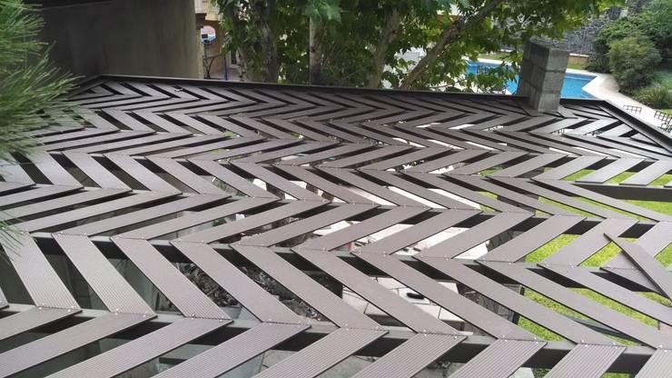 Pergolas con WPC Innover: Jardín de estilo  por Grupo Boes