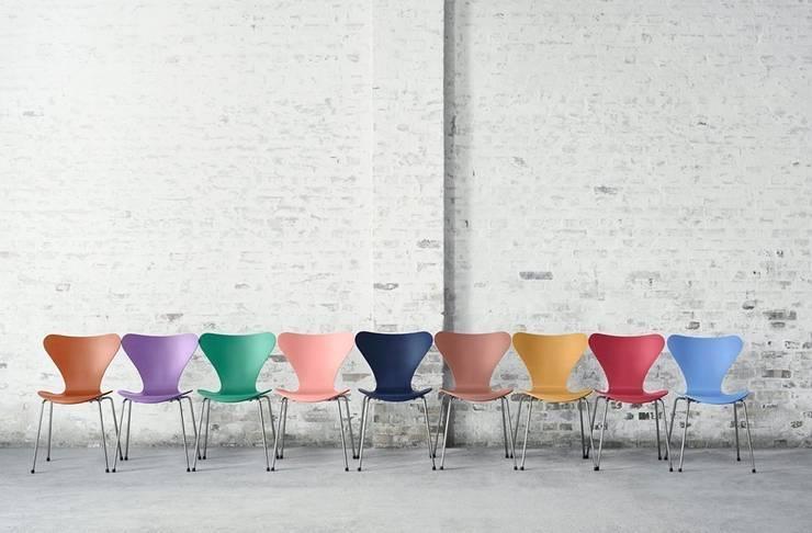 krzesło Series 7 - Fritz Hansen: styl , w kategorii Jadalnia zaprojektowany przez Mootic Design Store