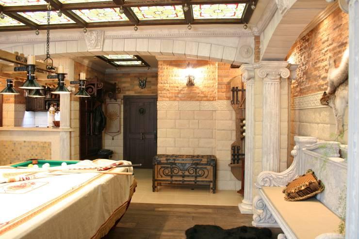 Современное средневековья: Гостиная в . Автор – дизайн студия Астрова