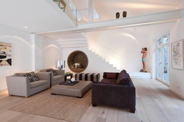 modern Living room by HANSENWINKLER