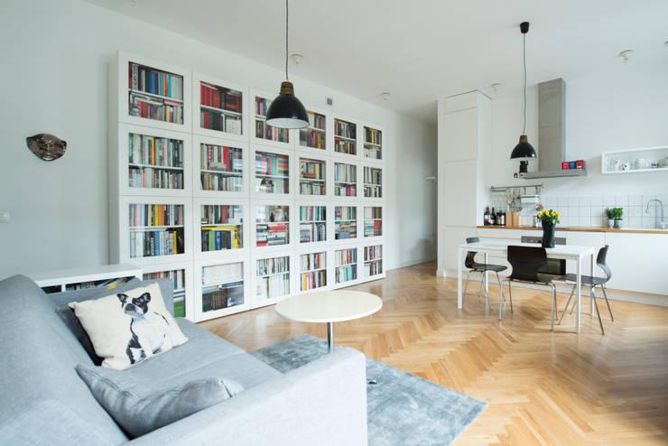52m, Kamionek, Wwa: styl , w kategorii Salon zaprojektowany przez dziurdziaprojekt