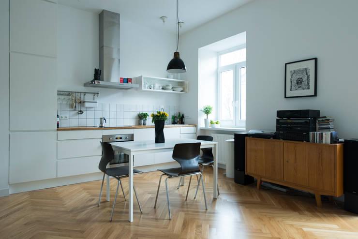 52m, Kamionek, Wwa: styl , w kategorii Kuchnia zaprojektowany przez dziurdziaprojekt