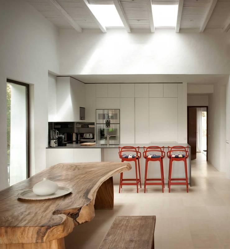 Kitchen :  Kitchen by TG Studio