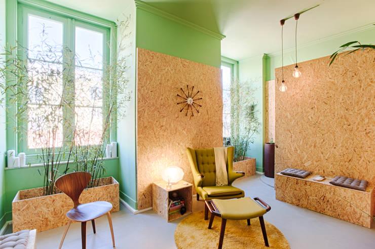 Social Network Room: Escritórios  por Santiago | Interior Design Studio