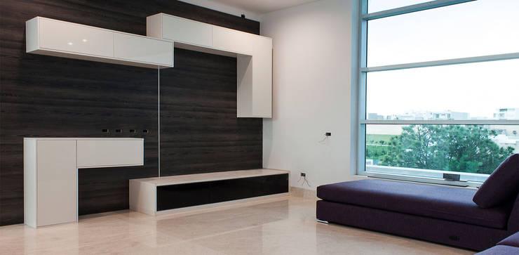 Casa Las Cumbres: Salas de estilo  por STUDIO ALMEIDA DESIGN