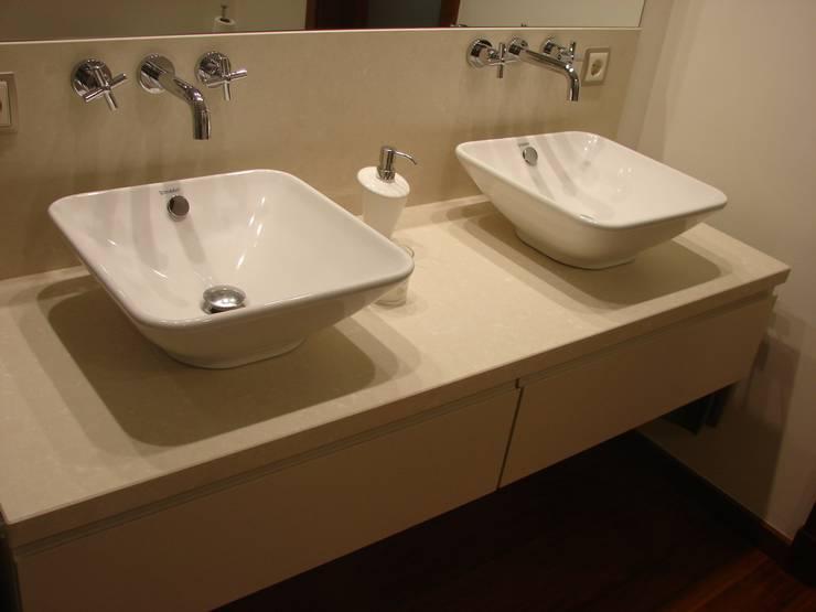 Baños de estilo  por INTERIORISME