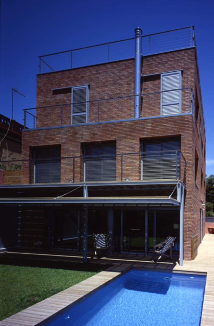 CASA L: Casas de estilo  de zazurca arquitectos