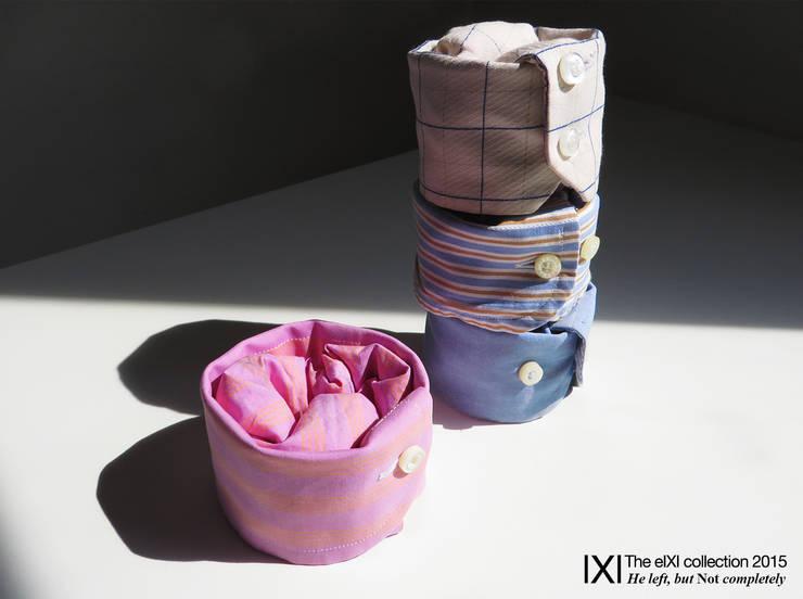 The Shic Sleeves: Soggiorno in stile in stile Moderno di KIMXGENSAPA