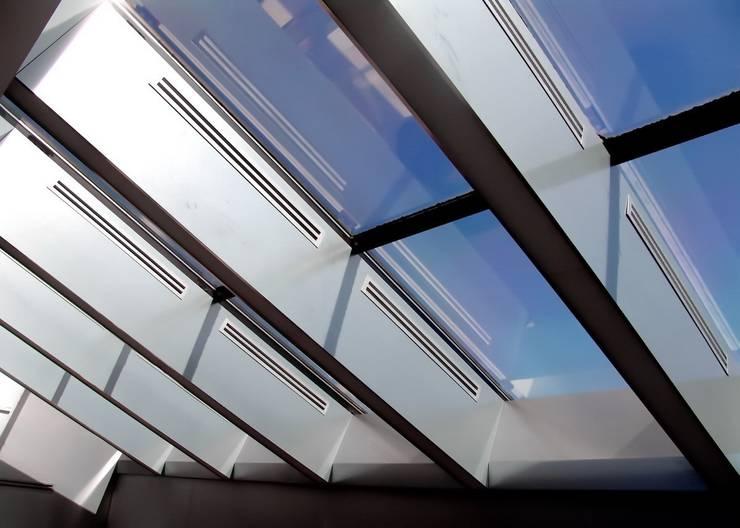 """Трехуровневый Пентхаус """"Вилла На крыше"""":  в . Автор – Svetozar Andreev Architectural Studio: Hotei-Russia"""