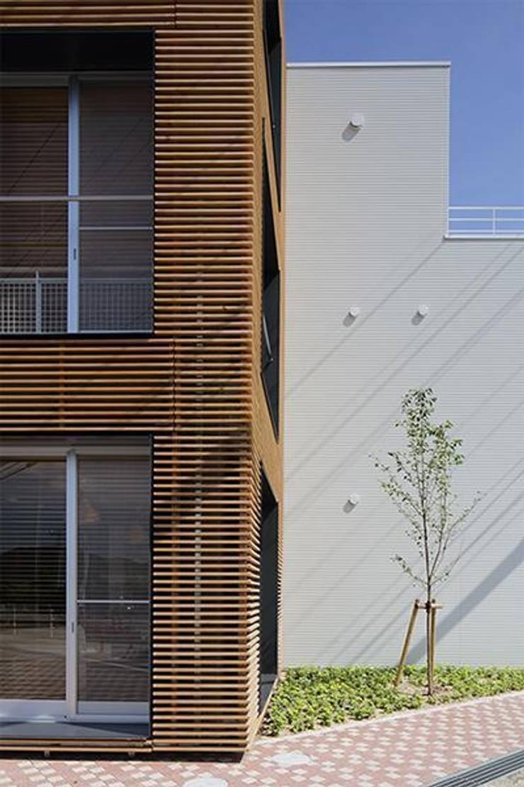 Houses by 株式会社ヨシダデザインワークショップ, Modern