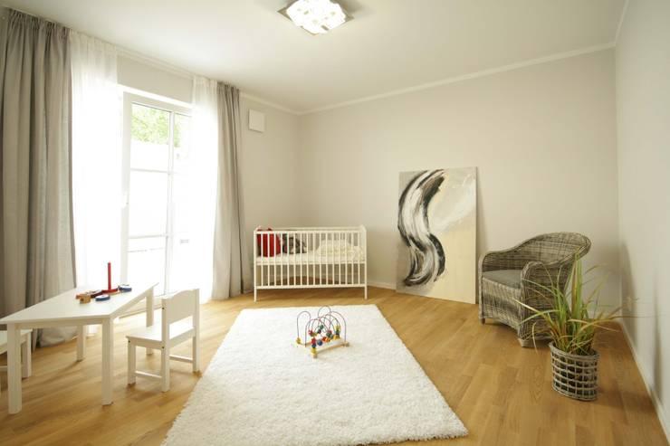 Quarto infantil  por Home Staging Cornelia Reichel