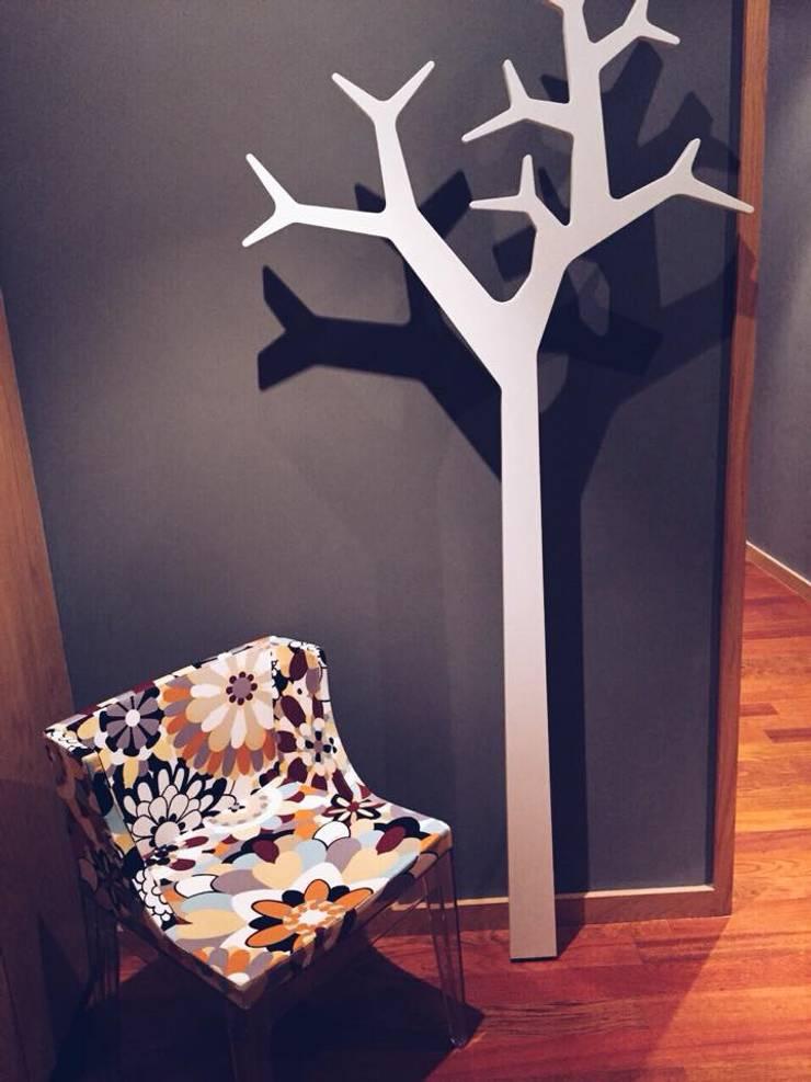 Pasillos y vestíbulos de estilo  de Santiago | Interior Design Studio
