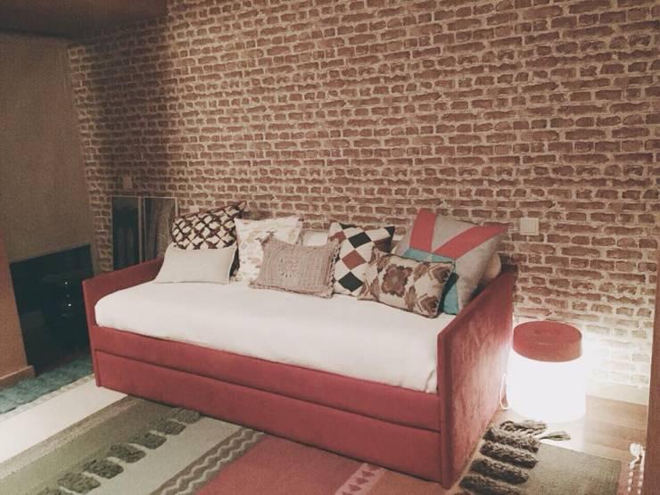 Casa Luanda: Quartos  por Santiago | Interior Design Studio