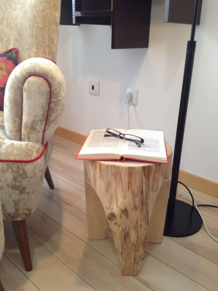 CASA TOMAR: Salas de estar  por Santiago | Interior Design Studio