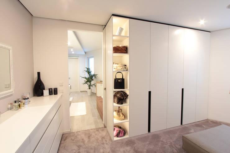 La Casa Wohnbau GmbH:  tarz Giyinme Odası