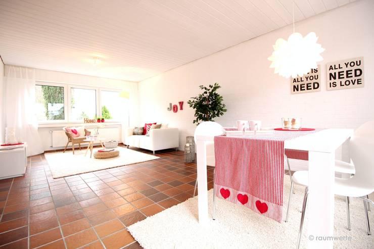 Ruang Keluarga oleh raumwerte Home Staging, Country