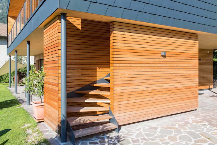 House KaTo: Ingresso & Corridoio in stile  di Manuel Benedikter Architekt