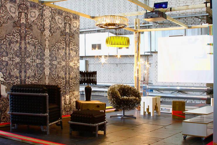 Centros de exhibiciones de estilo  por ORTerfinder, Ecléctico Madera Acabado en madera