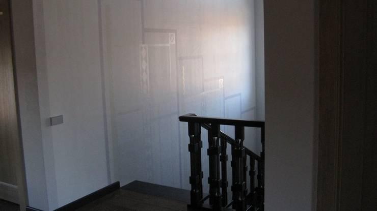 Corridor & hallway by Архитектор Владимир Калашников , Classic