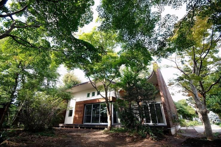 Casas modernas por 前田敦計画工房