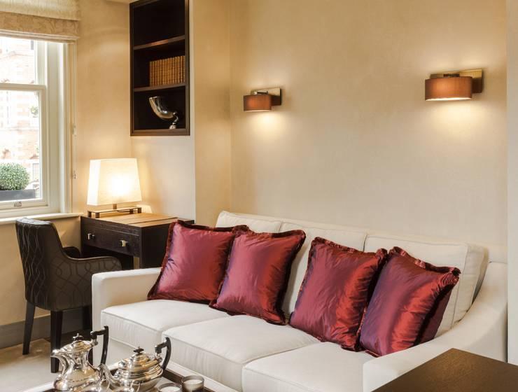 Salon de style  par Keir Townsend Ltd.