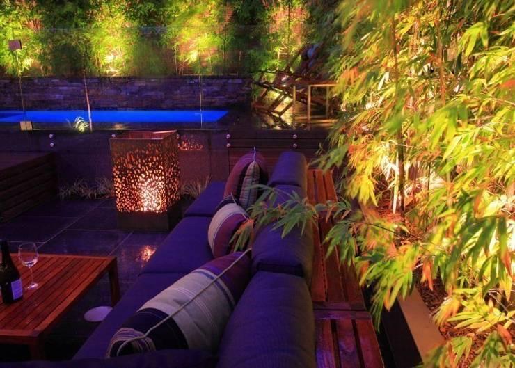 EcoSmart Fire kominki ekologiczne z Australii: styl , w kategorii Balkon, weranda i taras zaprojektowany przez ilumia.pl