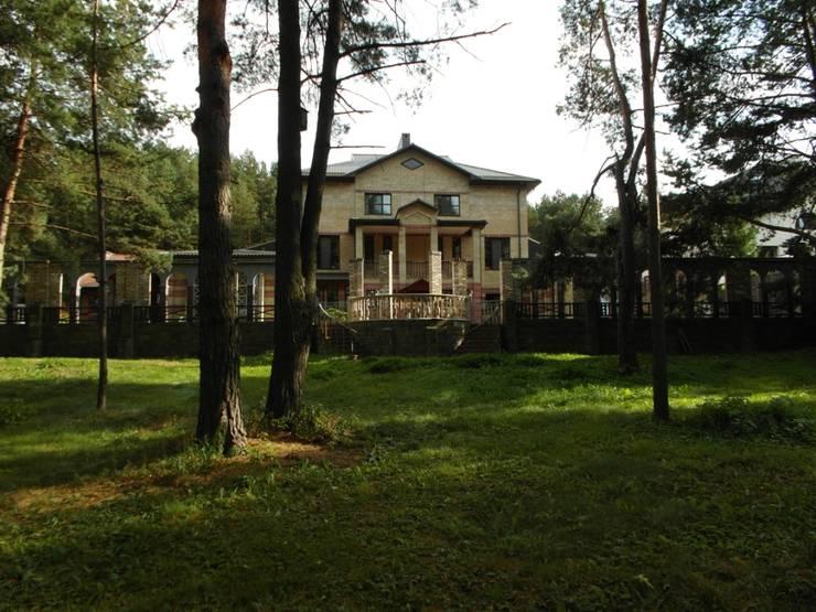 Частный дом 2: Дома в . Автор – Архитектор Владимир Калашников , Классический