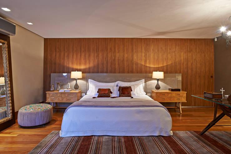 Camera da letto in stile  di Beth Nejm