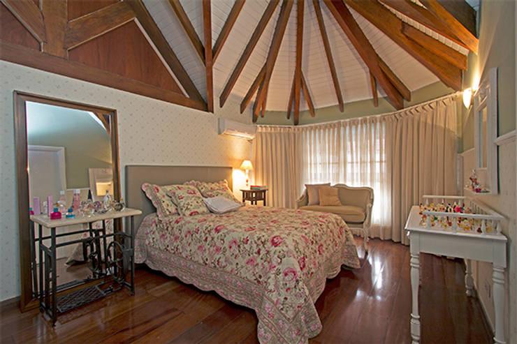 Dormitório filha: Quartos  por Eliana Berardo Arquitetura e Construção