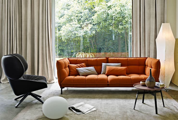 Husk Sofa by B&B Italia:  Living room by Campbell Watson