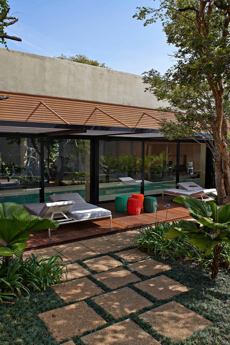Balcon, Veranda & Terrasse modernes par Beth Nejm Moderne