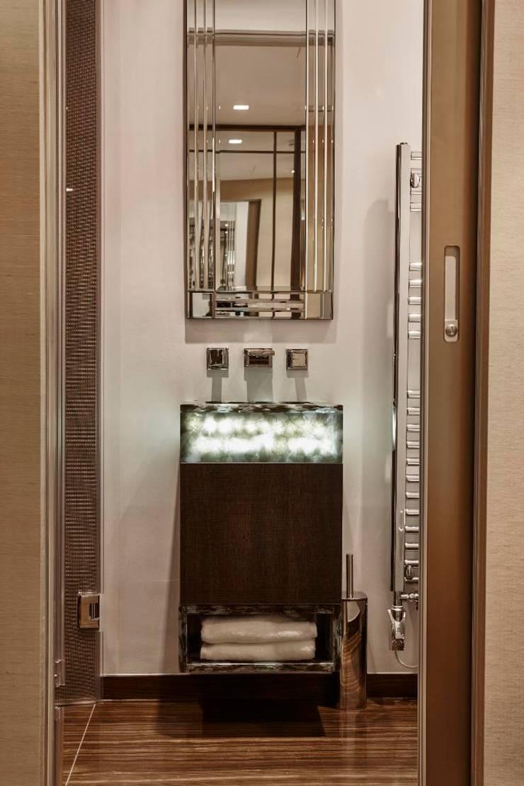 Bathroom by Keir Townsend Ltd., Classic