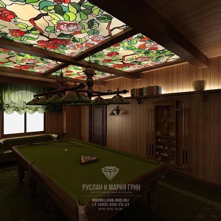 Бильярдная комната в доме из бруса: Дома в . Автор – Студия дизайна интерьера Руслана и Марии Грин