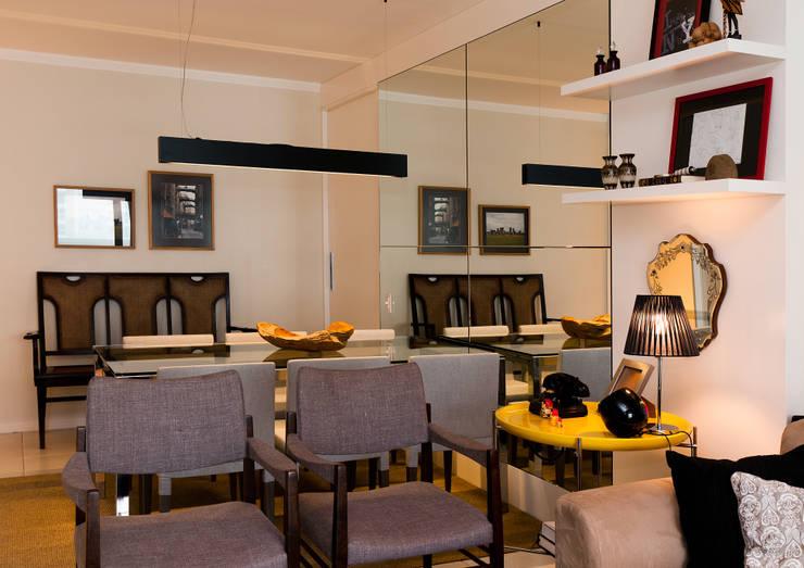 Apto – Parque São Jorge: Salas de estar  por tcarvalho