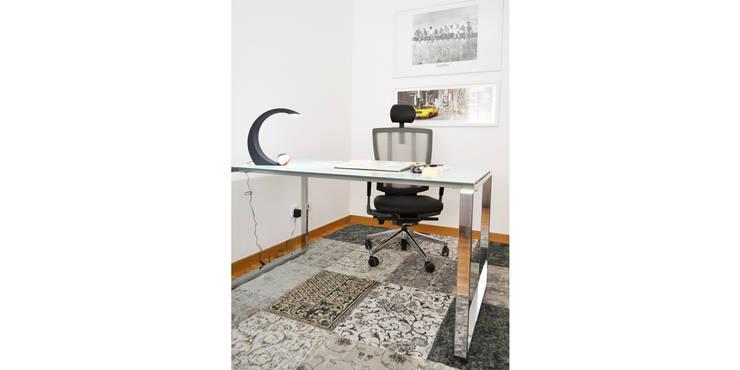 032 | Apartamento, Setúbal: Escritório  por T2 Arquitectura & Interiores