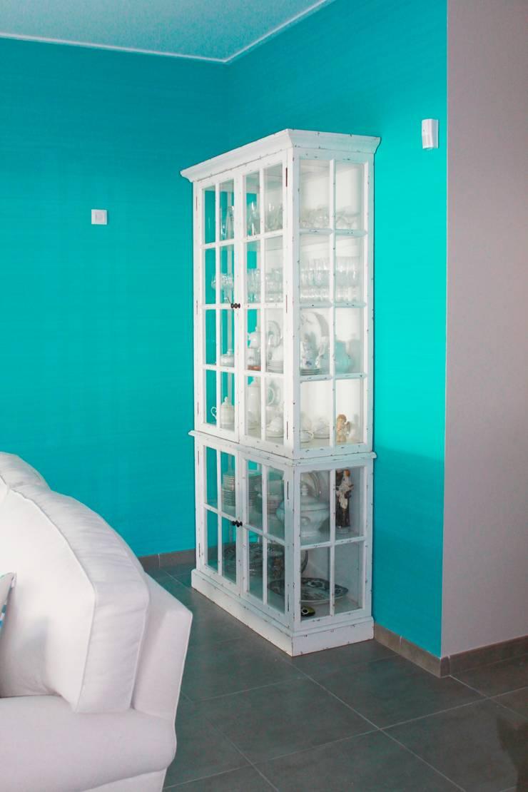 Sala Comum: Salas de estar  por Stoc Casa Interiores
