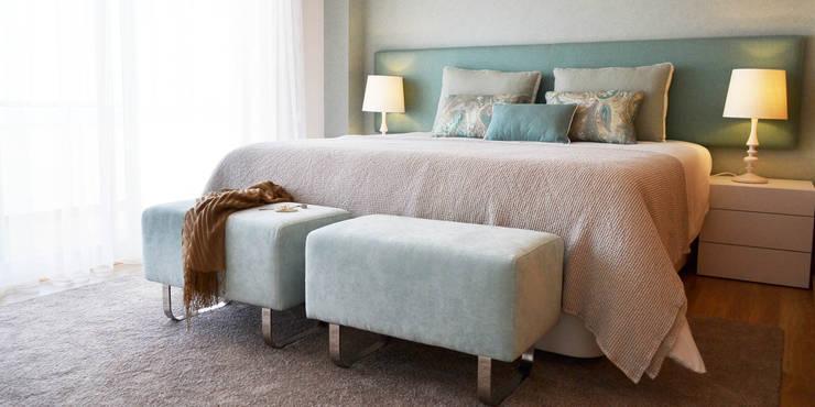 غرفة نوم تنفيذ T2 Arquitectura & Interiores