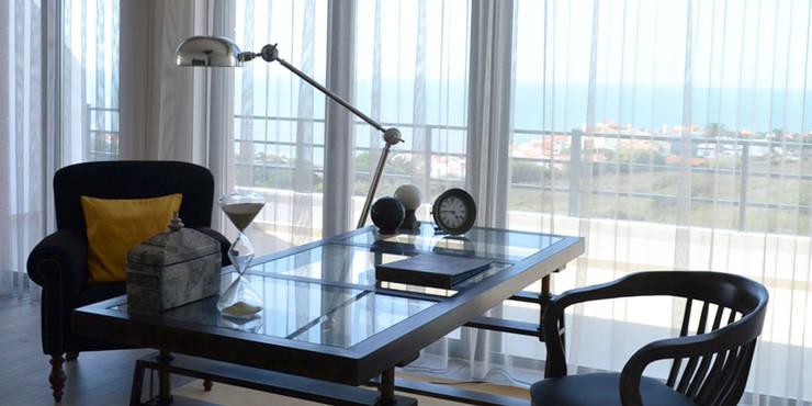 Studio in stile in stile Eclettico di T2 Arquitectura & Interiores