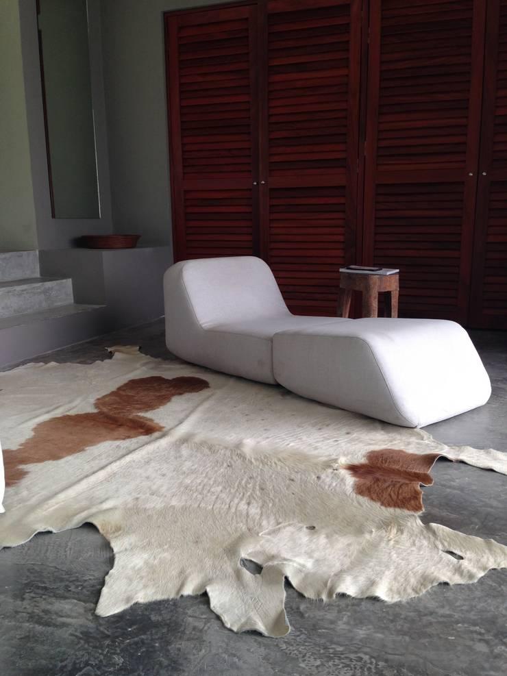 Casa Chachalaka: Recámaras de estilo  por DECO Designers