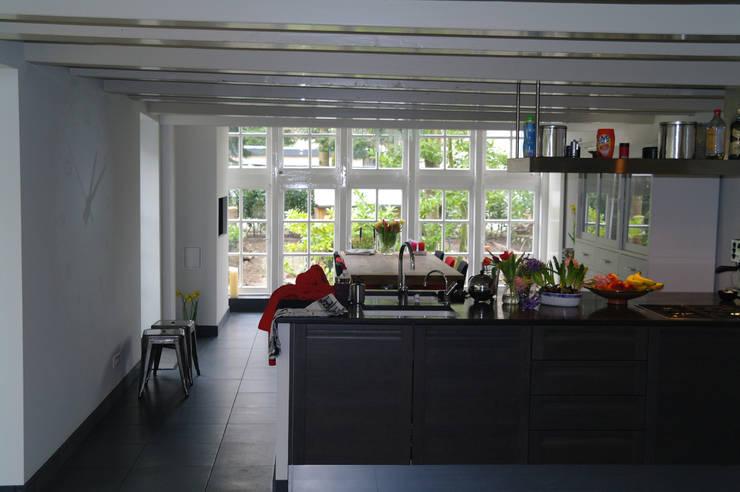 Keuken:   door Studio Blanca