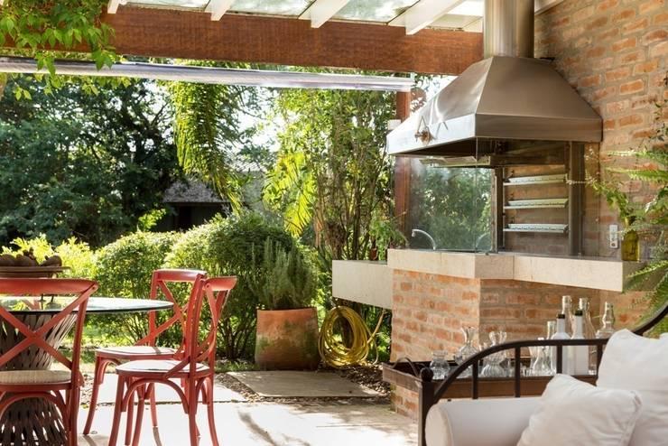 CRR | Churrasqueira: Terraços  por Kali Arquitetura