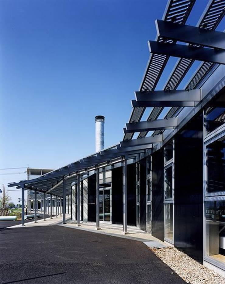 庇: 株式会社ヨシダデザインワークショップが手掛けた家です。