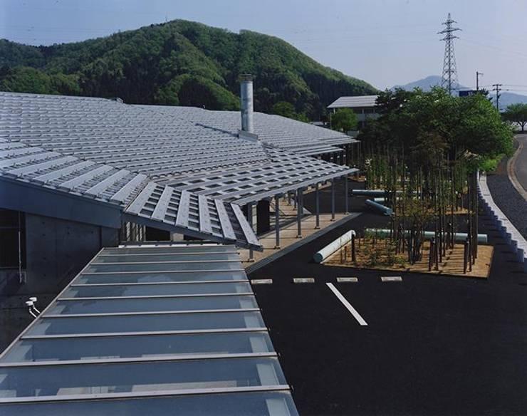 屋根: 株式会社ヨシダデザインワークショップが手掛けた家です。