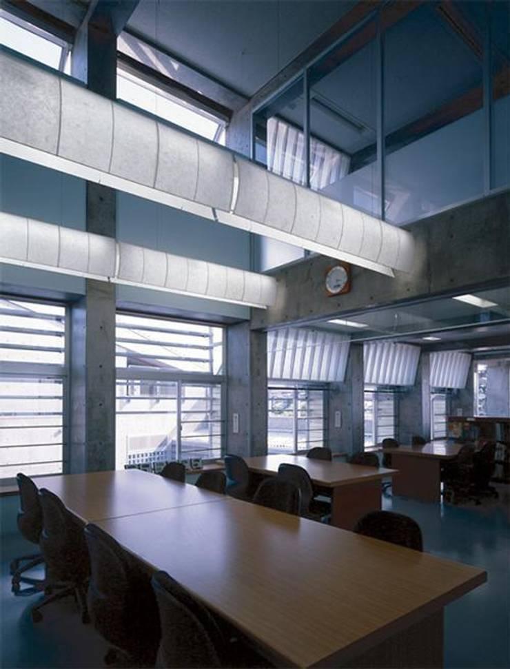 研修室: 株式会社ヨシダデザインワークショップが手掛けた書斎です。