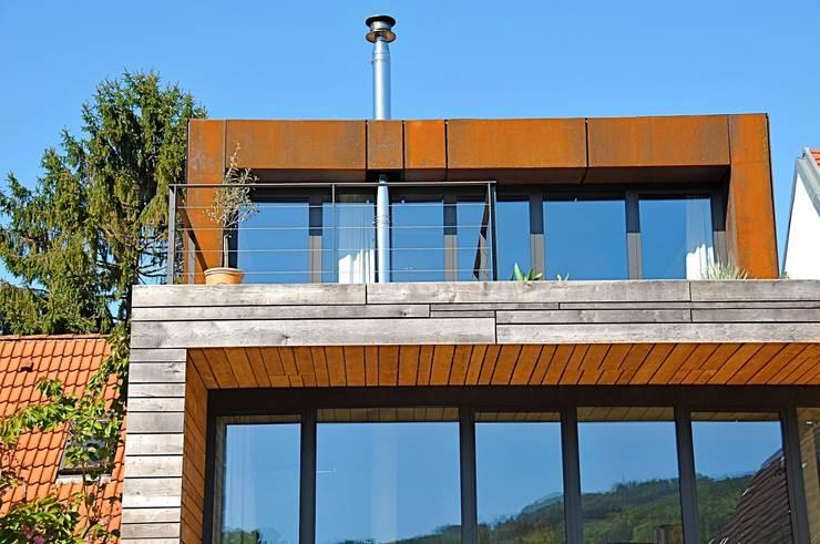 Südterrasse für den Winter:  Terrasse von Architekturbüro 011