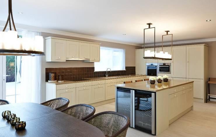 Kitchen:  Kitchen by Keir Townsend Ltd.