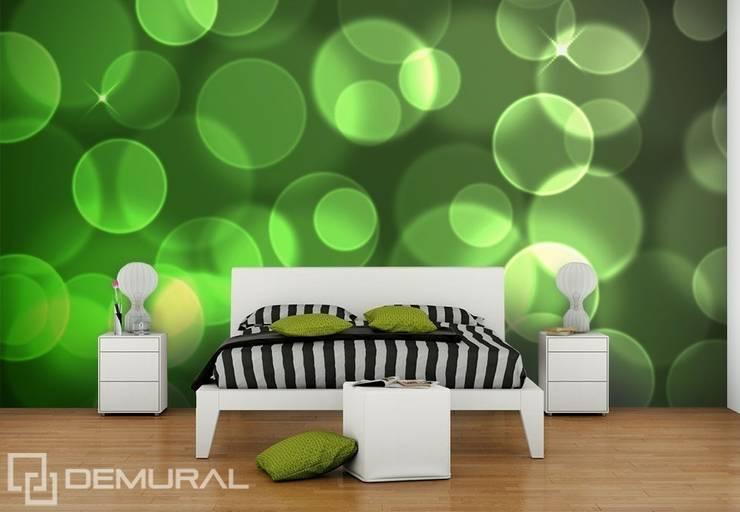 Kółka wśród zieleni: styl , w kategorii Sypialnia zaprojektowany przez Demural.pl,